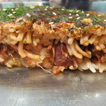Okonomiyakinagataya - 断面