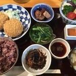 定食家 つき善 - つき膳特製メンチカツ定食