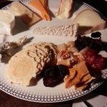 バー・ザ・クレイン - チーズ盛り合わせ