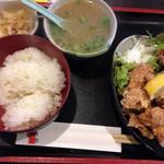 炭火焼鳥 一喜鶏 - 唐揚定食+鶏スープ@2016/01/09