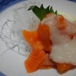 46292446 - サーモン山かけ ご飯のおかずにもいけるっ!