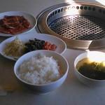 海游亭 - 料理写真:カルビランチ