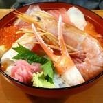 魚の棚食堂 - 特選海鮮丼(吸物付)