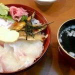 魚の棚食堂 - 魚の棚丼(吸物付)