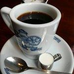 神戸にしむら珈琲店 中山手本店 - にしむら珈琲オリジナルのカップで