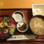 46301425 - 海鮮丼 1000円