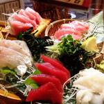 魚島屋 - 劇場型刺身盛り!刺身が美味い店。