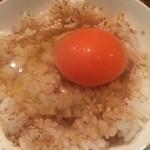 46302700 - 卵かけご飯は、卵が濃厚で、タレが絶妙。