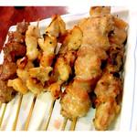 焼鳥とりよし - 料理写真:焼き鳥1本100円からです。 ニンニクが200円で高額商品。
