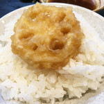 天ぷら定食 ながお - 福岡式大衆天ぷら食堂です。定食スタイルがメインながら、高級天ぷらコースのように順々に揚げたてを供してくれます。       安くて美味しい、地元民が大好きな天ぷら定食なのです。