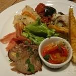 Trattoria&Pizzeria LOGIC - ○シェフの気まぐれ前菜盛り合わせ 880円