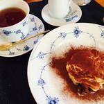 クッチーナ・サクラ - ティラミスと紅茶