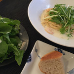 クッチーナ・サクラ - 海老と水菜のレモンクリームソースパスタのランチ