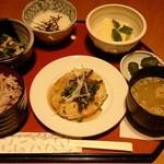 ダイニング CASA - 十五穀米の健康御膳(1430円)