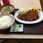 茂美志屋 - トンテキ定食 - 950円