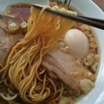 麺屋 翔 - スープを吸ってまっ黒け!^^