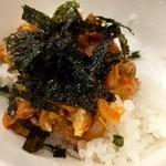 セマウル食堂 - ごはんにかけて韓国海苔を施します!