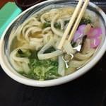 麺処 綿谷 - 麺は平打ち