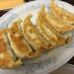 ぎょうざの満洲 - おちもち皮の餃子