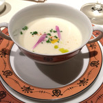 レ・セレブリテ - カブとレモンのスープ