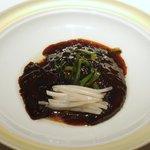 メゾン・ド・ユーロン - 黒いフカヒレの姿煮
