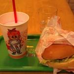 片岡シェーク店 - H27/2いちごのシェーク、ハンバーガー