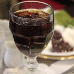 オーストリッヒカフェ  ウィーン - 今回のケーキのヤムゼ (アイスコーヒー +\100)