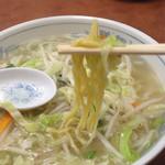 珍来 - 麺リフト
