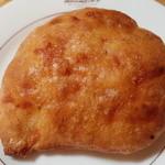Toresuefubishi - パルメザンチーズのチャバタ(140円)