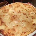 46326649 - ビアンカネーベ(4種のチーズのピッツァ)
