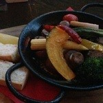 46326847 - 春野菜とマッシュルームのグツグツ