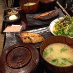 46333147 - 銀鮭の粕漬け定食と銀ダラの西京焼き定食