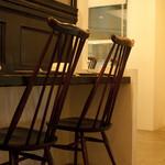 たてじま - ヨーロピアンアンティークを中心に揃えた家具。