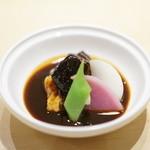 麻布十番 嘉YOSHI - 牛頬肉の赤ワイン煮込み