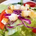 珈琲 三ツ屋 - ランチセットのサラダ