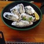 海辺のほったて小屋 - 生牡蠣