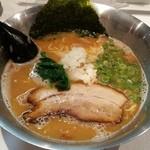 らぁめん初代オカワリ - 鶏白湯魚介 730円