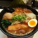 らぁめん初代オカワリ - 味噌白湯 850円 味玉 100円