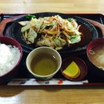 サン・サン - 料理写真:焼肉定食
