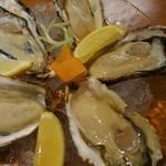 串と刺身 さんびょうし - 新鮮、産直、生牡蠣 3ヶ800円