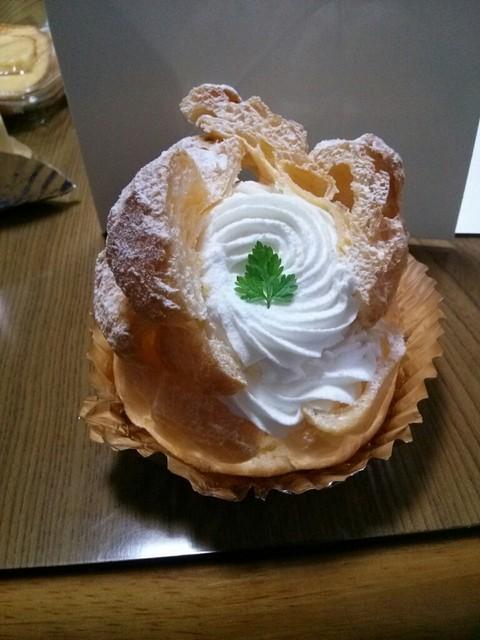 アップル - 生シュークリーム