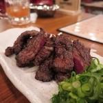 わら焼きと串カツ わら焼き部 - 国産牛バラ肉のわら焼き