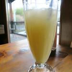 ハウオリカフェ - パイナップルジュース
