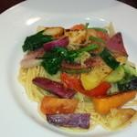 46343585 - 季節野菜たっぷりのオイルソーススパゲティーニ