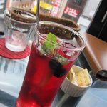 kawara CAFE&DINING - ベリー系のカクテル