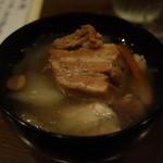 善知鳥 - お通しの角煮汁