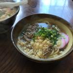 山村茶屋 - 肉うどん。