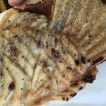 鯛焼きのよしかわ - 薄い鯛焼き