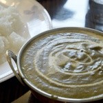 ニュータージマハルエベレスト - 料理写真:ほうれん草とチーズのカレー