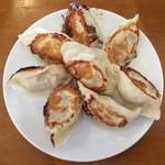 中国料理 明珠酒家 - 餃子、650円です。